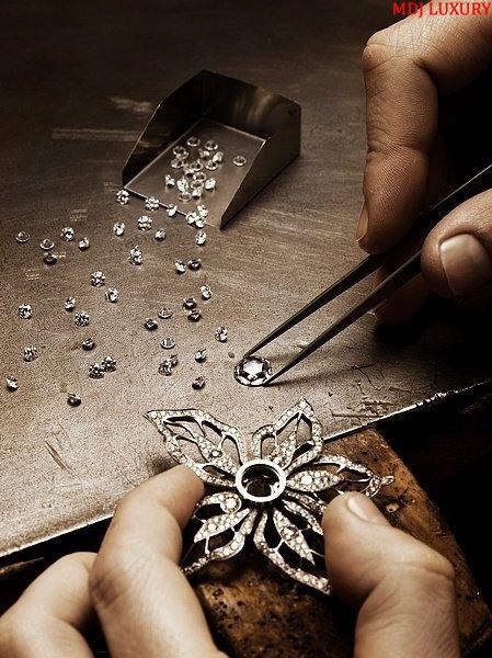 Gắn kim cương vào trang sức