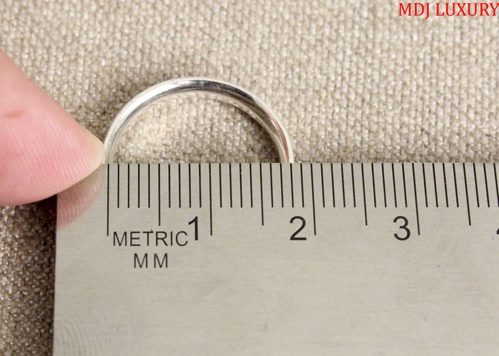 Đường kính 17mm tương ứng Size 15