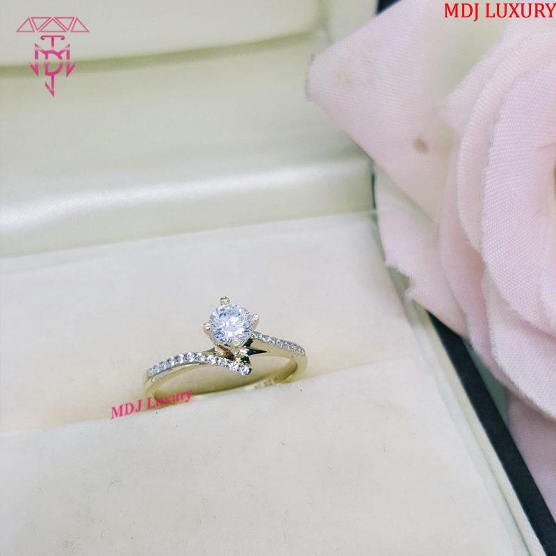 Nữ hoàng của những chiếc nhẫn NUK10 [tag]